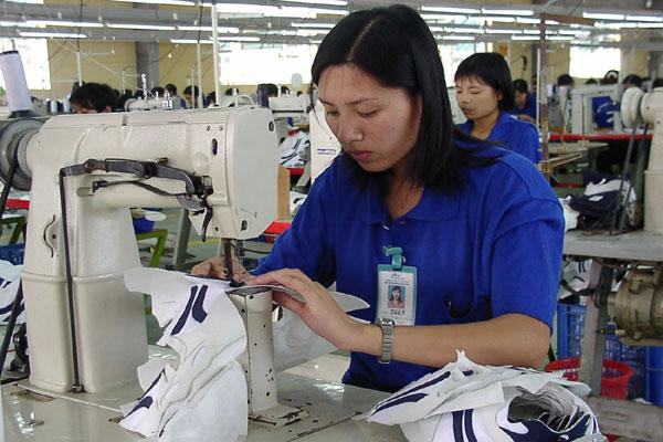 Công ty Giày Thượng Đình đã trình phương án cổ phần hóa trong thời gian tới.   Ảnh: Quỳnh Linh