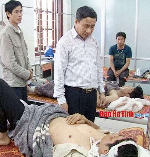 Lãnh đạo tỉnh Hà Tĩnh chỉ đạo cứu hộ nạn nhân nhanh nhất có thể