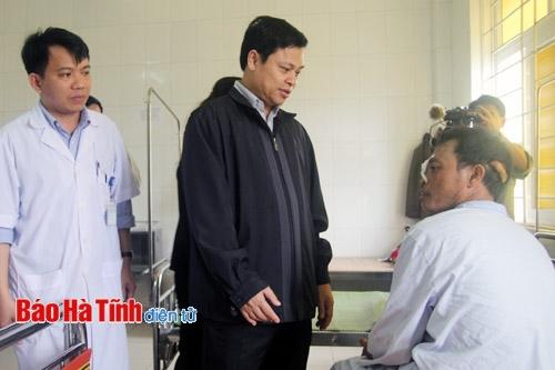 Lãnh đạo tỉnh, trung ương Hội Chữ thập đỏ và Formosa thăm hỏi nạn nhân vụ sập giàn giáo