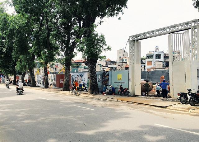 Mặt đường Yên Phụ tại vị trí dự án đang triển khai