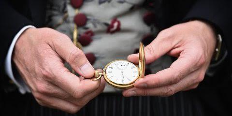 Người giàu rất quý trọng thời gian, họ luôn biết mình nên và không nên làm gì mỗi ngày.