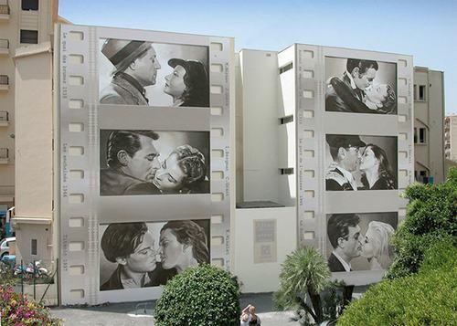 Những nụ hôn bất hủ trong Cuốn theo chiều gió, Titanic... được tái hiện lại với hình ảnh đen trắng.