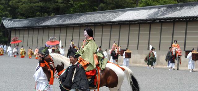 Lễ hội Hollyhock ở Kyoto. Ảnh: Inside Japan.