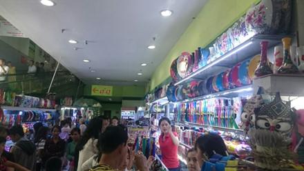 Đại diện BigC Đà Nẵng thừa nhận, nếu trả mặt bằng ngay lập tức thì việc tìm địa điểm khác để các chủ cửa hàng tiếp tục buôn bán hiện rất khó.