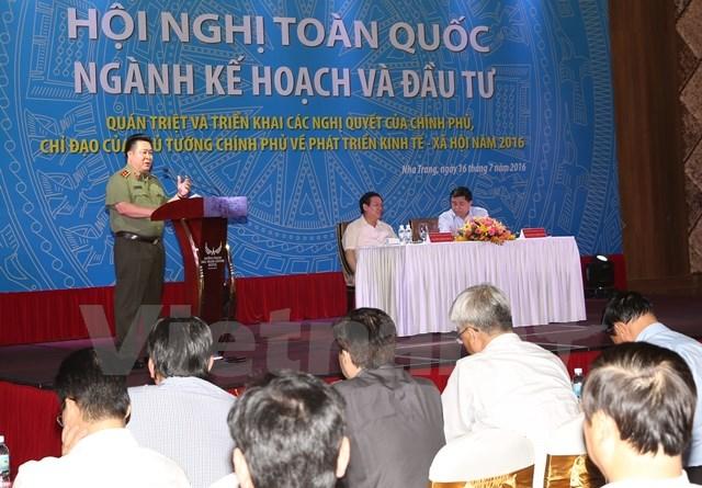 Thứ trưởng Bộ Công an Bùi Văn Thành phát biểu tại Hội nghị ở Khánh Hòa. (Ảnh: PV/Vietnam+)