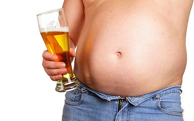 Những quý ông bụng bia hãy cẩn thận với gút và huyết áp cao.