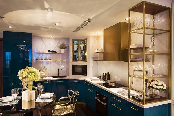 Phòng bếp, tủ bếp được thiết kế theo phong cách hiện đại
