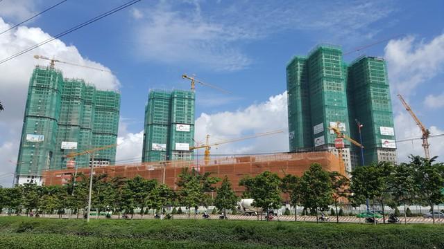 Dự án Masteri Thảo Điền với 10.000 căn hộ sẽ gia nhập thị trường trong 2 năm tới. Đây là một trong những dự án có tốc độ thi công chóng mặt.