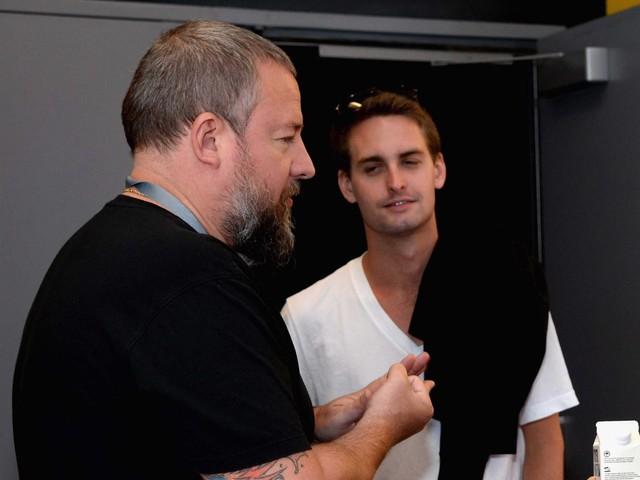 Phó CEO Shane Smith (bên trái) cùng với CEO của Snapchat, Evan Spiegel.