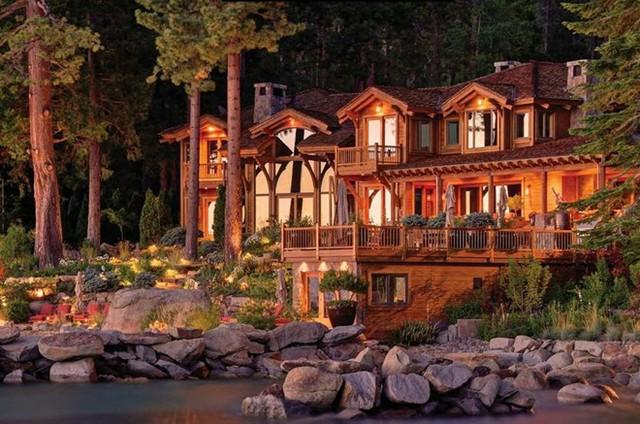 Larry là người nghiện mua bất động sản. Trong hình chỉ là một trong rất nhiều khu biệt thự tỷ phú này sở hữu.