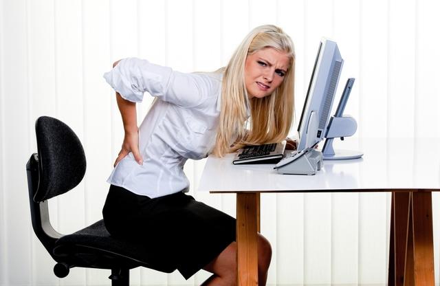 Công việc văn phòng tưởng như nhàn hạ lại tiềm ẩn nhiều mối nguy hiểm cho sức khoẻ.