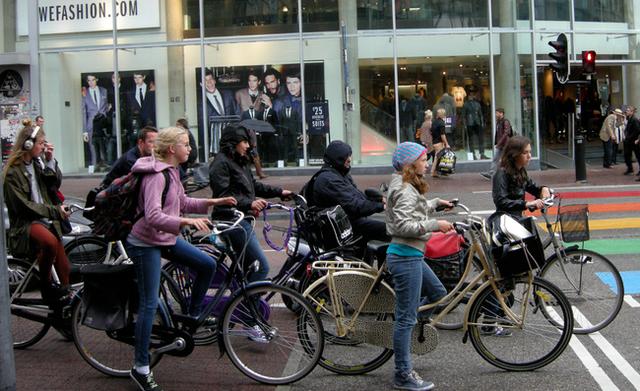 Xe đạp là phương tiện giao thông phổ biến ở Hà Lan.