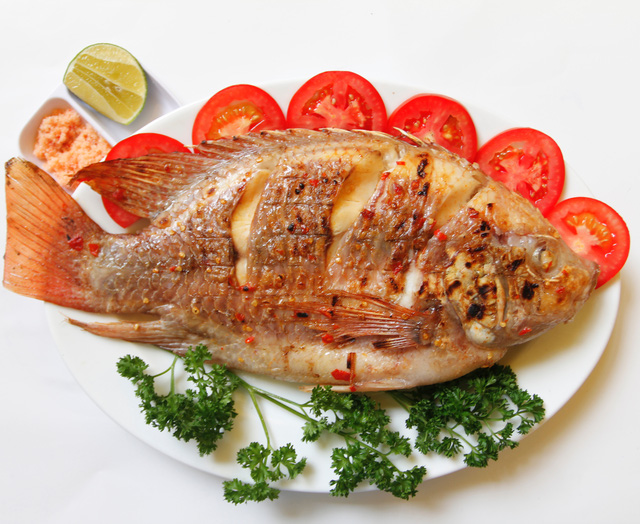 Ăn cá rất tốt cho xương.