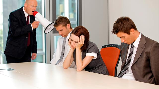 Sự chuyên quyền của một người sếp tồi là gốc rễ dẫn đến bệnh trầm cảm của nhân viên.