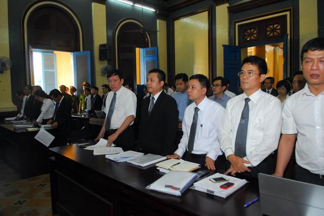 Các luật sư tham gia bào chữa tại Đại án Phạm Công Danh ở Ngân hàng Xây dựng.