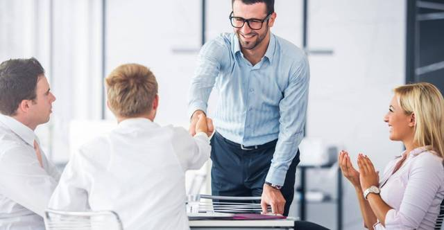 Bạn cần học cách phân bổ thời gian và sắp xếp công việc để hoàn thành tại văn phòng.