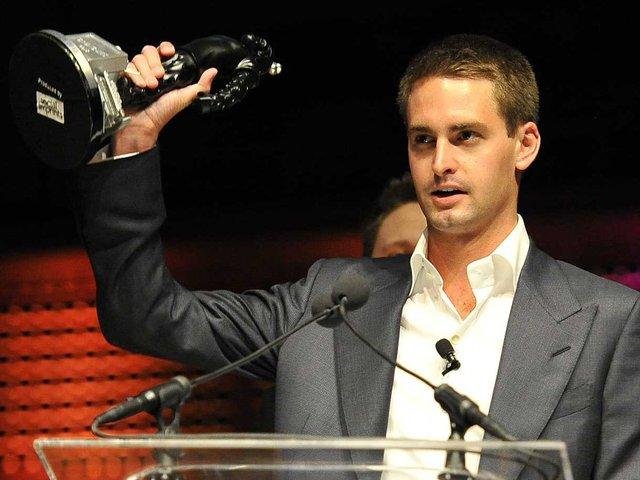 Evan Spiegel sở hữu tài sản ước tính gần 2 tỷ USD ở tuổi 25.