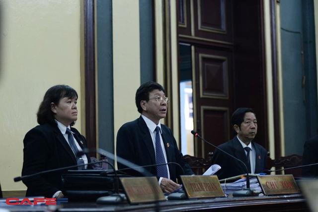 Ông Phạm Lương Toản, Chánh tòa Hình sự TAND TP.HCM làm thẩm phán chủ tọa phiên tòa (ảnh: Nguyễn Long)