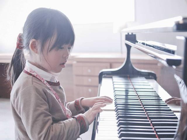 Học một nhạc cụ giúp phát triển trí não.