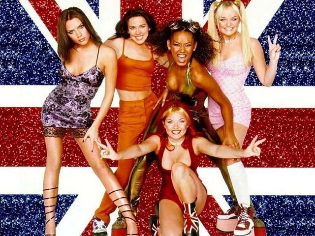 """Cô được chọn vào nhóm nhạc nữ cùng Emma Bunton, Melanie Brown, Melanie Chisholm, and Geri Halliwell. Nhóm thay đổi hình ảnh và lấy tên Spice Girls vào năm 1996. Ca khúc ra mắt """"Wannabe"""" ngay lập tức dẫn dầu bảng xếp hạng."""