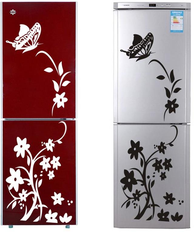 Những bông hoa góp phần tô vẽ nên sự mềm mại, uyển chuyển mà hiếm khi tủ lạnh có được.