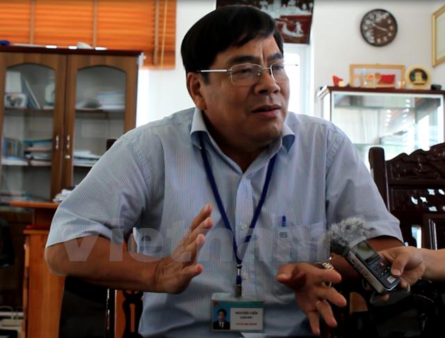 Ông Nguyễn Viễn, Giám đốc Sở Tài nguyên và Môi trường Quảng Nam trao đổi với phóng viên. (Ảnh: Hùng Võ/Vietnam+)