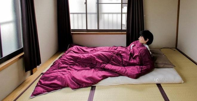 Lối sống tối giản của giới trẻ Nhật: Gia sản chỉ có 3 cái áo, 4 cái quần và 4 đôi tất
