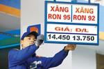 Giá xăng Việt Nam và những kỷ lục bị phá trong 2 năm