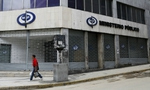 Công chức Venezuela đi làm 2 ngày/tuần, ổ bánh mỳ giá 170 USD