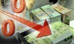 Thanh khoản ngân hàng dư thừa đang kéo lãi suất giảm