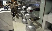 Trung Quốc vung quá nhiều tiền cho những con robot vô dụng