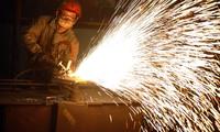 Các cỗ máy kinh tế Trung Quốc đột nhiên lại mất đà