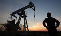 Giá dầu bất ngờ tăng mạnh