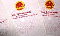 Chủ tịch Hà Nội yêu cầu đẩy nhanh cấp sổ đỏ tồn đọng