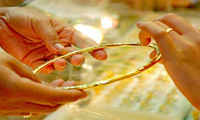 Giá vàng trong nước lại cao hơn thế giới 500 nghìn đồng/lượng